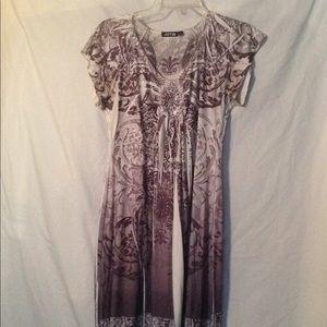 Women's Apt. 9 dress white with grays medium